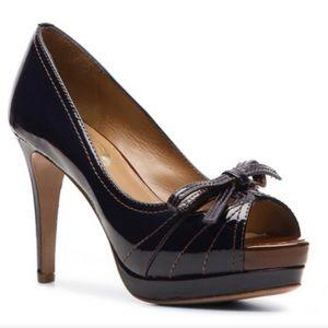 Elie Tahari l Laverna black patent heel